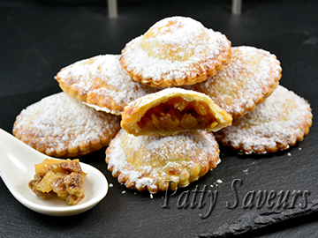 Caramelized apple hand pies small