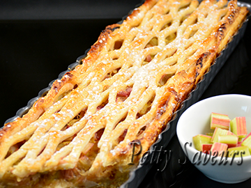Rhubarb and Custard Pie small
